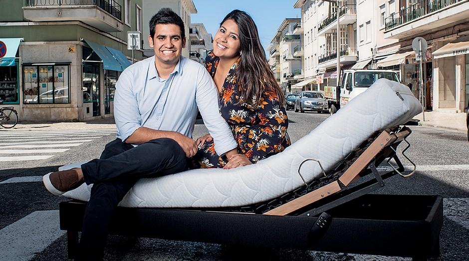 Leon Netto e a mulher Rachel, fundadores da Casa do Sono: custo da primeira loja ficou abaixo do praticado no Brasil (Foto: Daryan Dornelles)