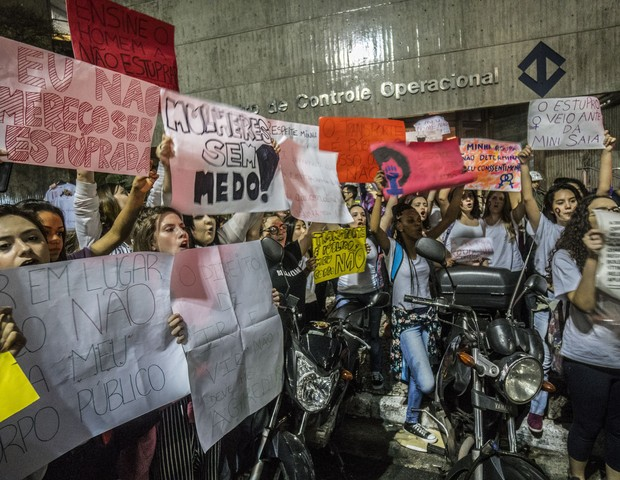 """Marcha de mulheres, em São Paulo: """"A família tradicional está desmoronando pelo seu próprio desacolhimento e hostilidade"""", diz Babi Thomaz (Foto:  (Cris Faga/NurPhoto via Getty Images))"""