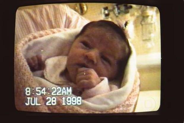 Primeiras imagens de Sasha exibidas pelo Jornal Nacional (Foto: Reprodução)