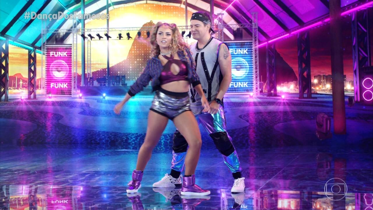 Belutti e Bruna Santos dançam 'Toma'