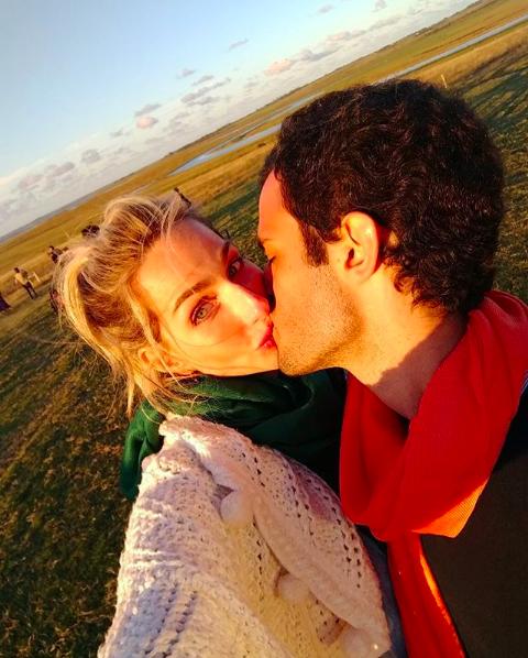 Mariana Weickert celebra marido Arthur Ferraz no Dia dos Namorados (Foto: Reprodução / Instagram)