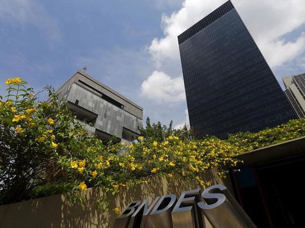 -  O Banco Nacional de Desenvolvimento Econômico e Social  BNDES  anunciou nesta quinta-feira que assinou acordo para cooperação com o Novo Banco de Des