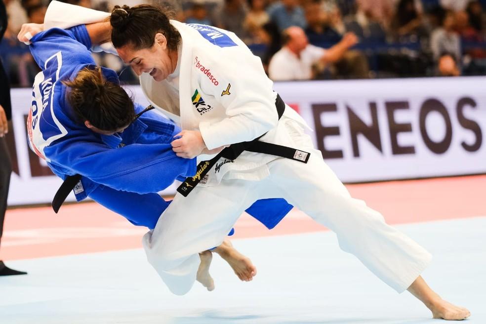 Mayra Aguiar contra atleta do Kosovo Mundial de Judô — Foto: Roberto Castro / rededoesporte.gov.b