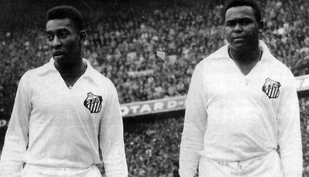 Ao lado de Pelé, Coutinho formou uma das maiores duplas de ataque do futebol brasileiro — Foto: Arquivo/Santos FC