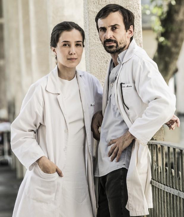 Marjorie Estiano e Júlio Andrade estrelam Sob Pressão (Foto: João Miguel Júnior/TV Globo)