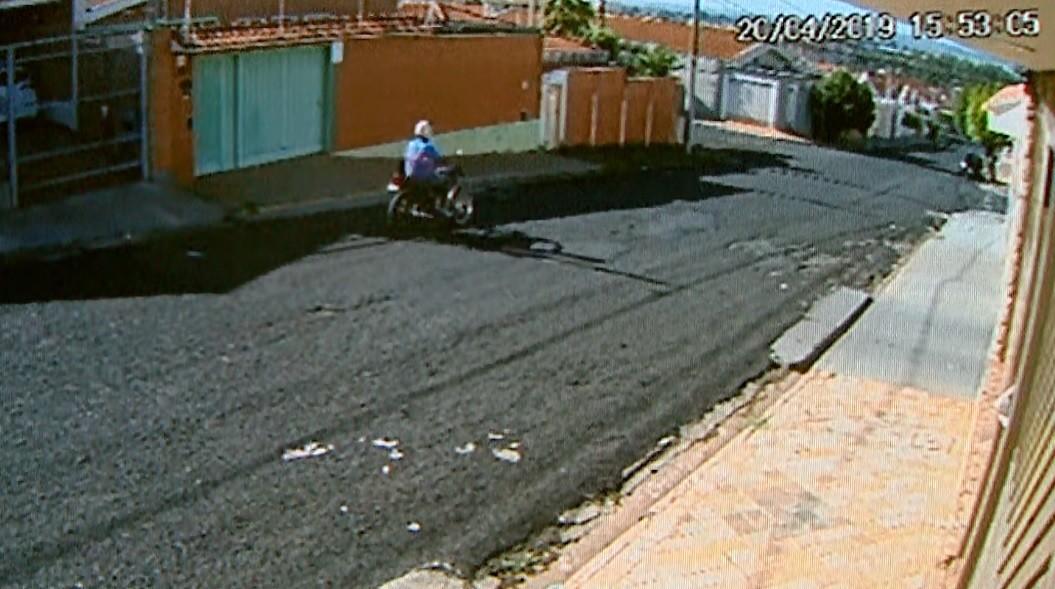 Vídeo mostra fuga de ladrões após roubo de malote com frentista morto em Ribeirão Preto - Noticias