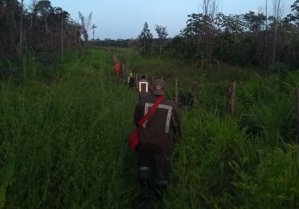 Procura aconteceram em locais de difícil acesso — Foto: CBM/Divulgação