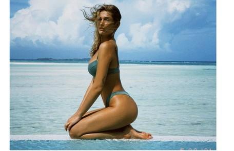 Sasha Meneghel posou nas Maldivas clicada pelo Marido, João Figueiredo Reprodução