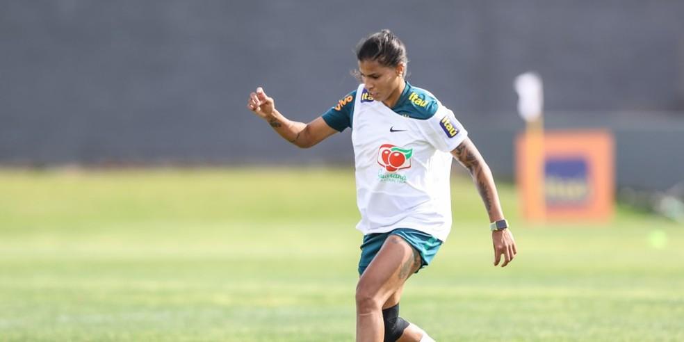 Fabi Simões preocupa com lesão na coxa esquerda — Foto: Assessoria/CBF