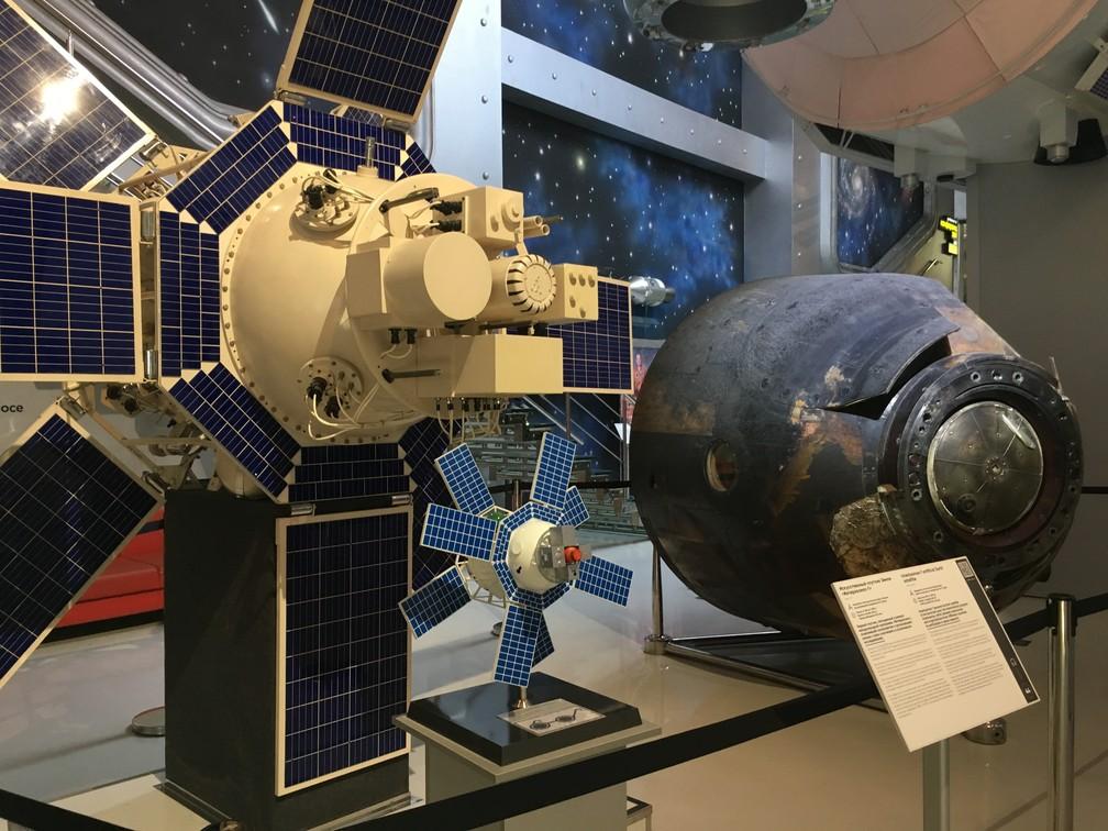 Satélite projetado para estudar a radicação ultravioleta e a influência na atmosfera da Terra. (Foto: G1/ Adriane Schultz)