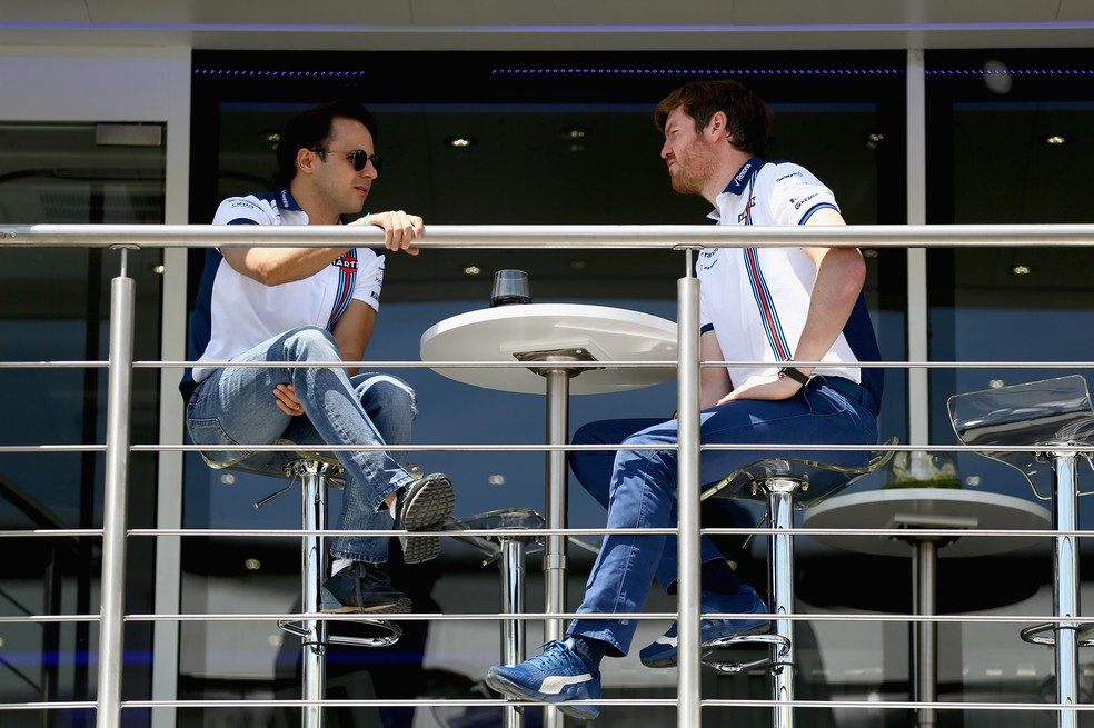 Rob Smedley e Felipe Massa no paddock da F1 (Foto: Clive Mason/Getty Images)