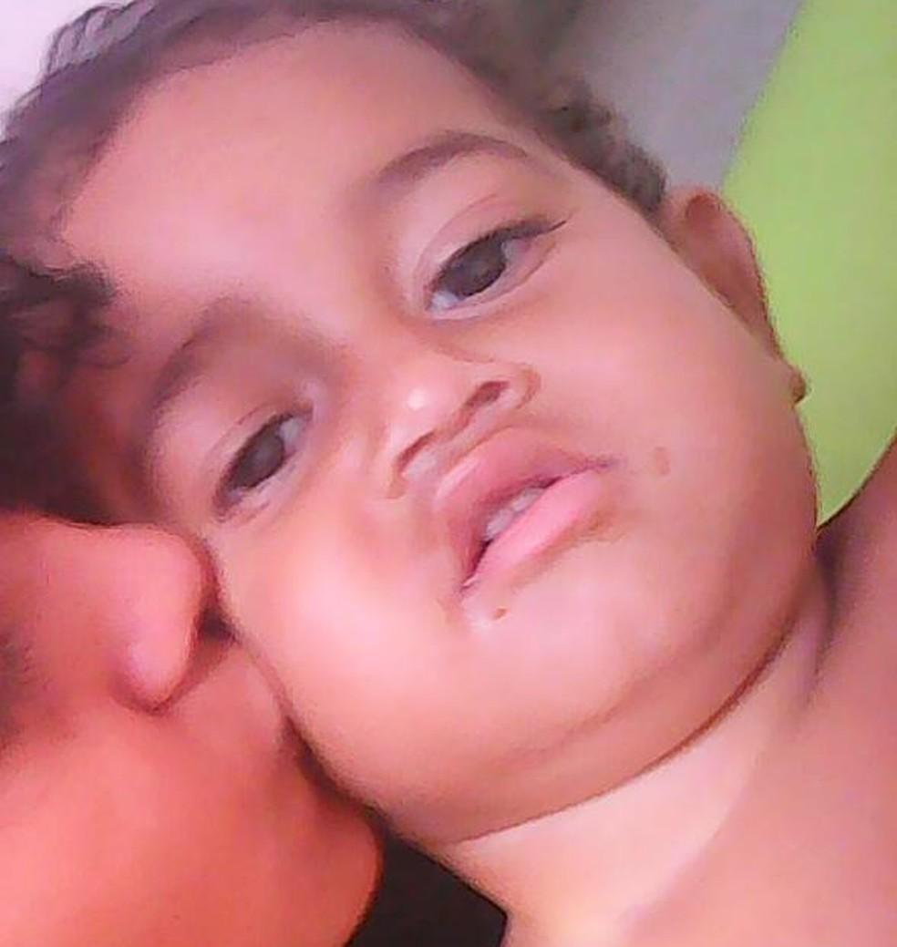 Adrian Levi Silva Santiago, de 1 ano e 8 meses, foi atingido com um tiro na cabeça (Foto: Arquivo da Família)