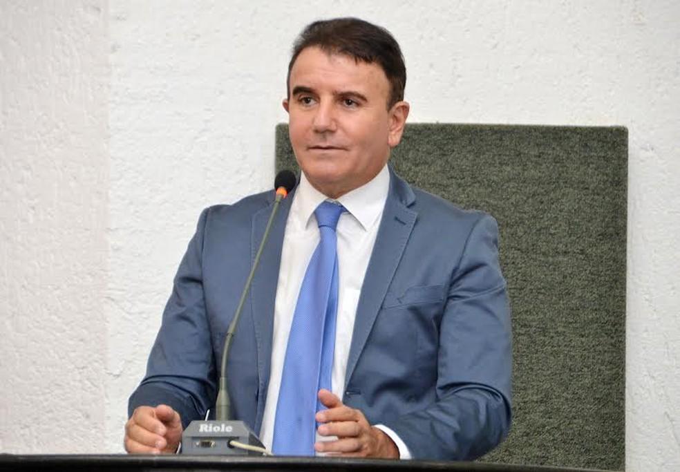 Eduardo Siqueira Campos foi reeleito deputado estadual — Foto: Divulgação