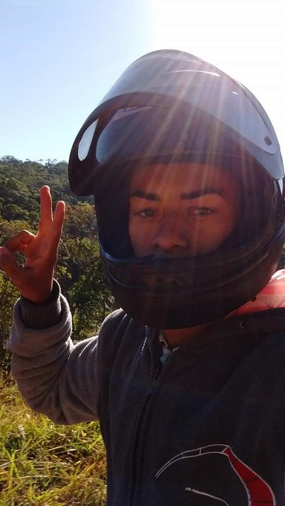 Moradores da região e amigos de Júnior, afirmam que jovem pediu que o PM não o matasse em Itariri, SP — Foto: Arquivo pessoal