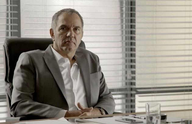 Humberto Martins interpreta o controlador Eurico, irmão de Eugênio (Foto: Reprodução)