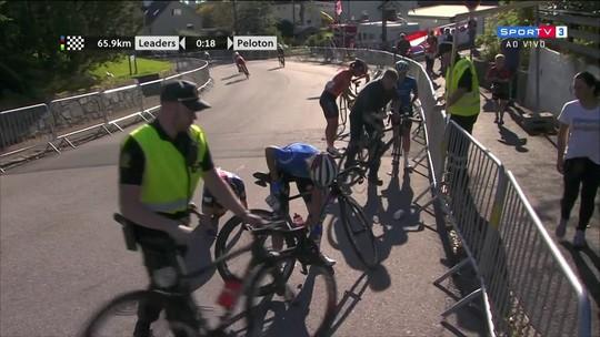 """Após sofrer queda em """"strike"""", holandesa se recupera e leva o título mundial"""
