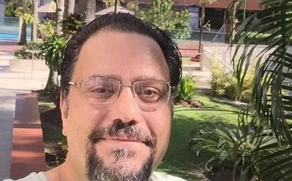 Ortopedista Homero Rodrigues, de 49 anos, morreu de Covid-19, no Recife — Foto: Reprodução/Facebook