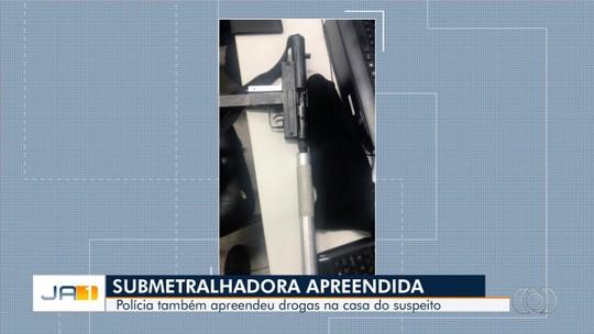 Polícia aborda motorista de app, apreende drogas e depois localiza munições e submetralhadora com comparsa, em Goiás