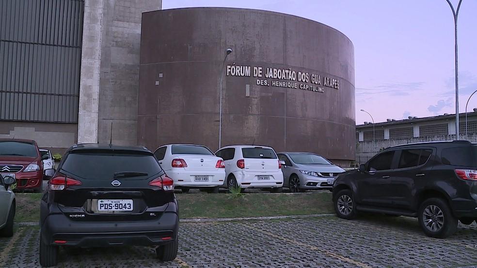 Homem foi encaminhado para audiência de custódia no Fórum de Jaboatão dos Guararapes, no Grande Recife — Foto: Reprodução/TV Globo