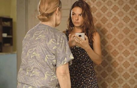 Na segunda-feira (17), Betina (Isis Valverde) vai descobrir que é irmã de Álvaro (Irandhir Santos) e decide reclamar seu direito à herança de seu pai Reprodução