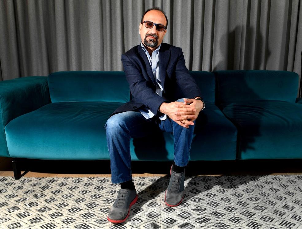 """Diretor iraniano Asghar Farhadi é responsável pelo filme que abre o Festival de Cinema de Cannes: """"Todos los sabem"""" tem o casal Penelope Cruz e Javier Bardem (Foto: GERARD JULIEN / AFP)"""