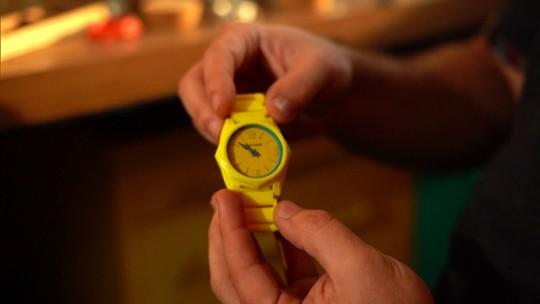 Design consciente! Conheça o relógio feito de madeira, papel e tinta orgânica