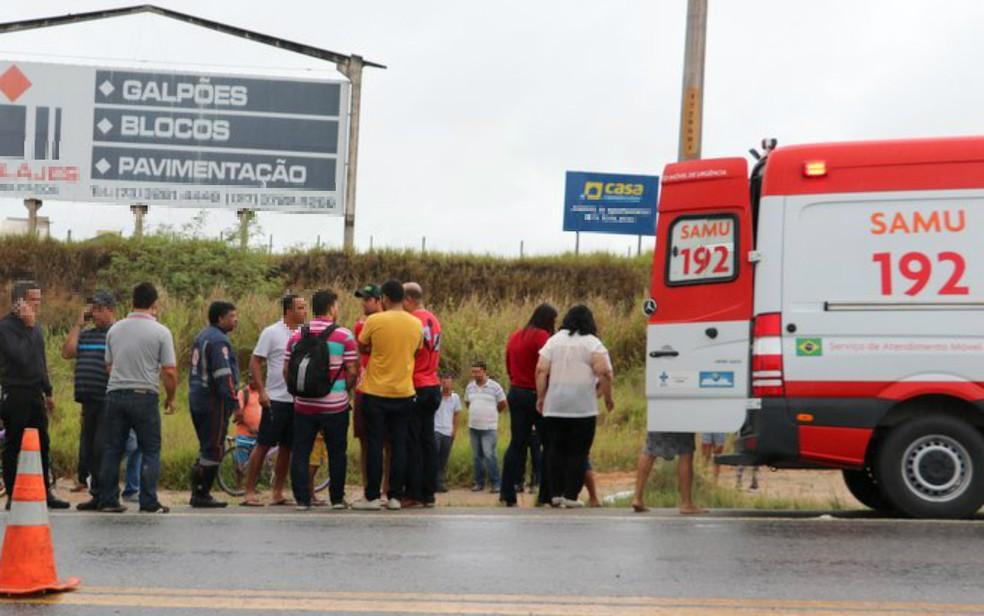 Vítima foi socorrida por uma equipe da Samu, mas não resistiu aos ferimentos — Foto: Divulgação/Radar 64