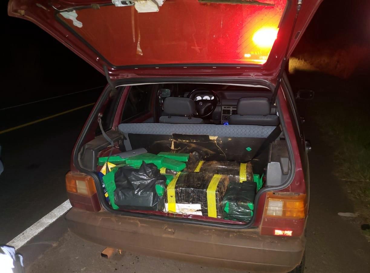 Jovem é preso com 95 quilos de maconha no porta-malas do carro em Joaçaba