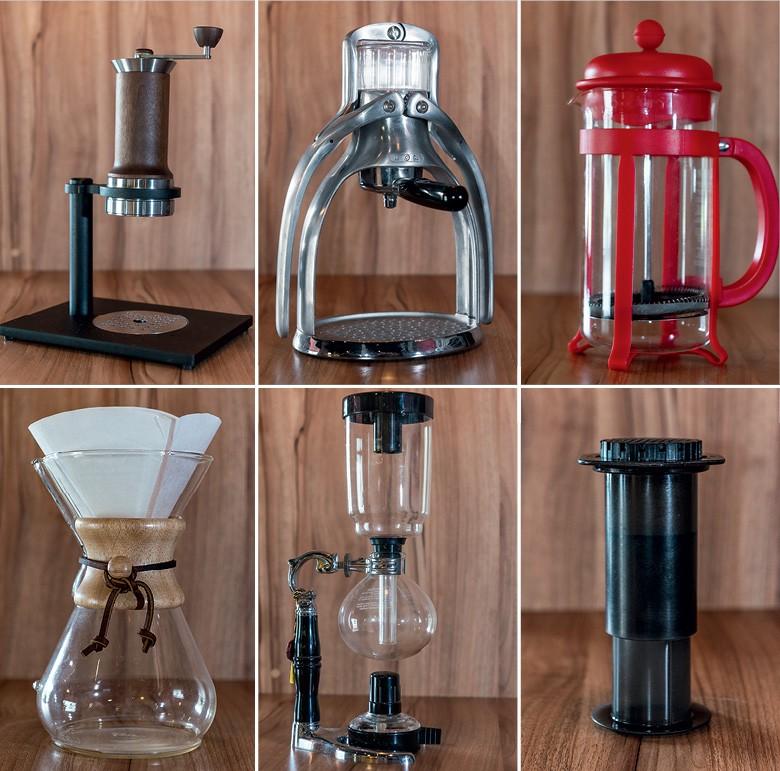Na cafeteria Franck's Ultra, o café pode ser preparado com 12 métodos diferentes. As máquinas ajudam a encorpar, reduzir amargor, acentuar açúcares e a fazer o café expressar ao máximo suas características  (Foto: Henry Milléo)