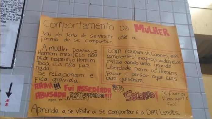 Cartazes Com Frases Machistas Em Escola De Vila Velha Es