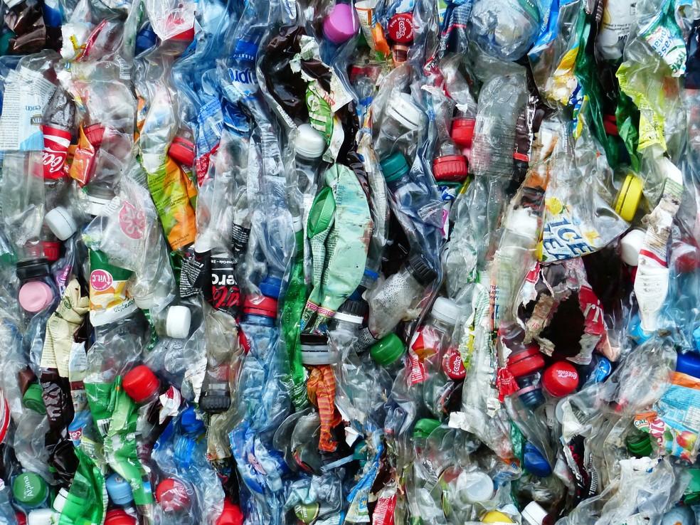 Plástico: descarte irregular ameaça oceanos e ecossistemas — Foto: Pixabay