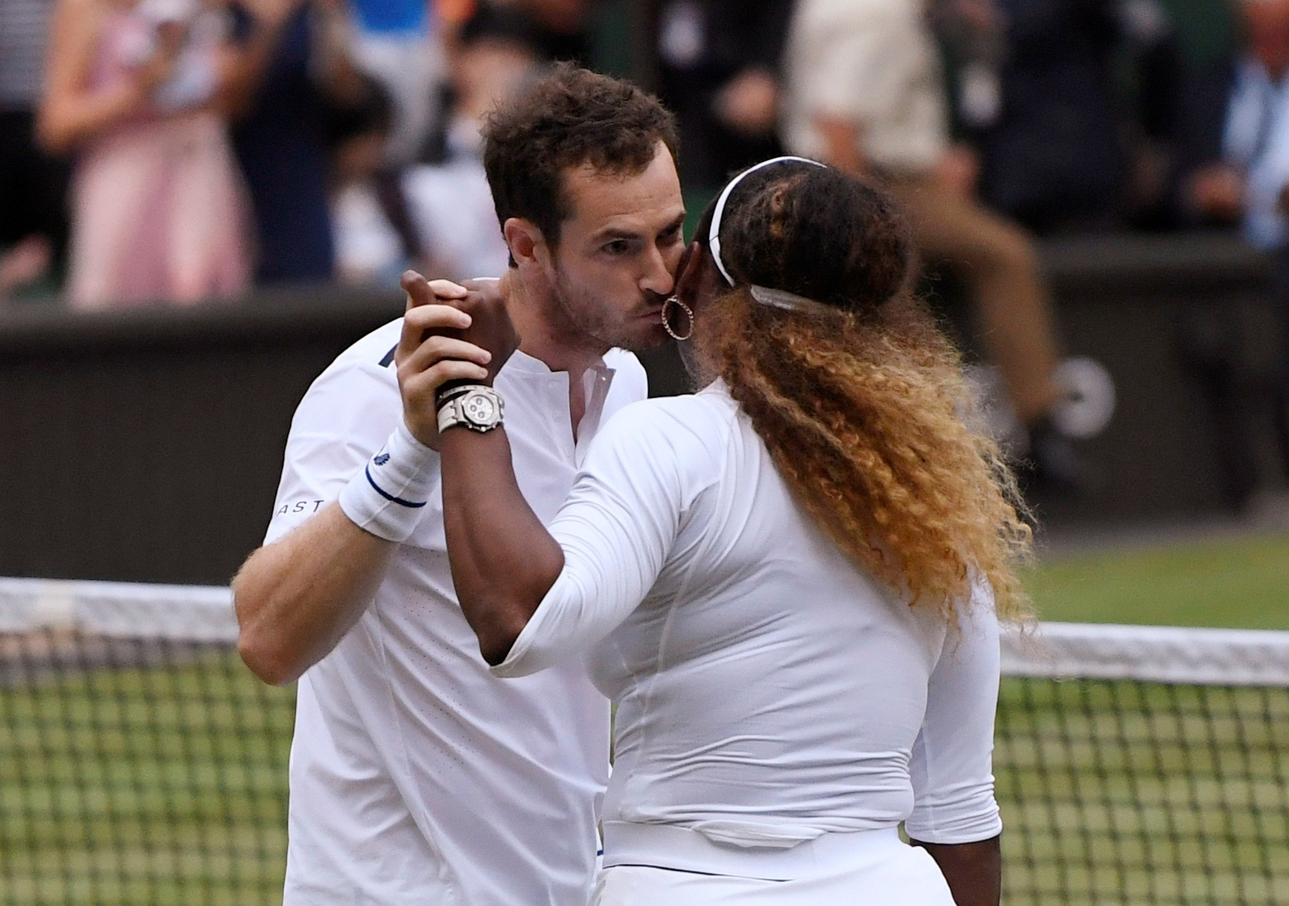 Murray beija Serena na vitória na estreia nas mistas