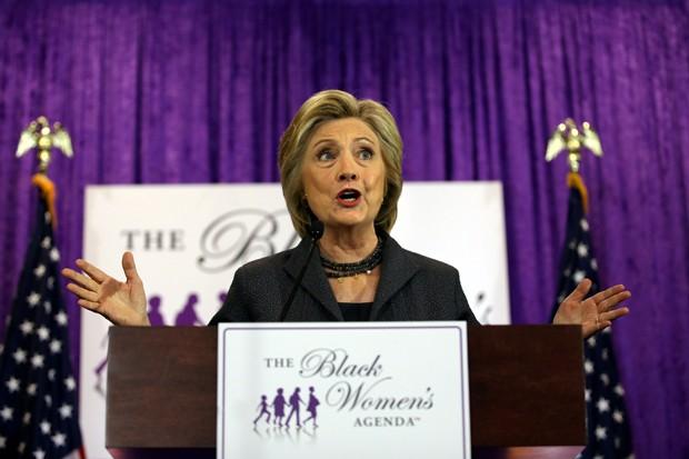 Hillary Clinton havia exigido que seu rival se desculpasse com o presidente Barack Obama (Foto: Carlos Barria/Reuters)