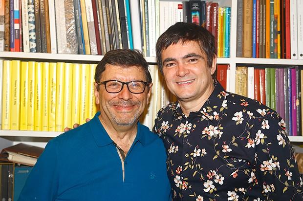 Vicente Odone, diretor clínico do Itaci, com o cantor Samuel Rosa (Foto: Marcelo Navarro/ Divulgação)