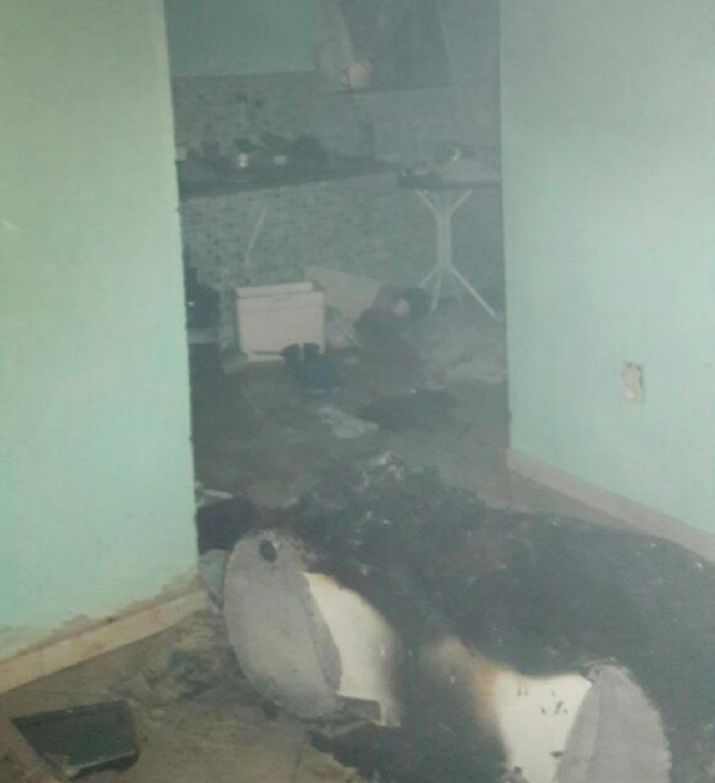 Homem ateia fogo na casa após discutir com a companheira e é detido em Rio das Ostras, no RJ