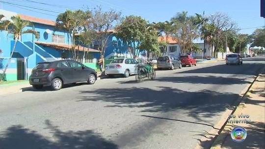 Motoristas de ônibus entram em greve em Araçoiaba da Serra