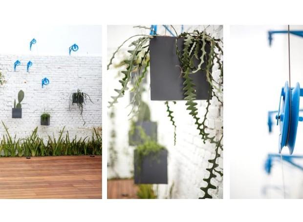 Um jogo de roldanas e mãos-francesas dá origem ao jardim vertical da Oficina2Mais Paisagismo (Foto: Divulgação)