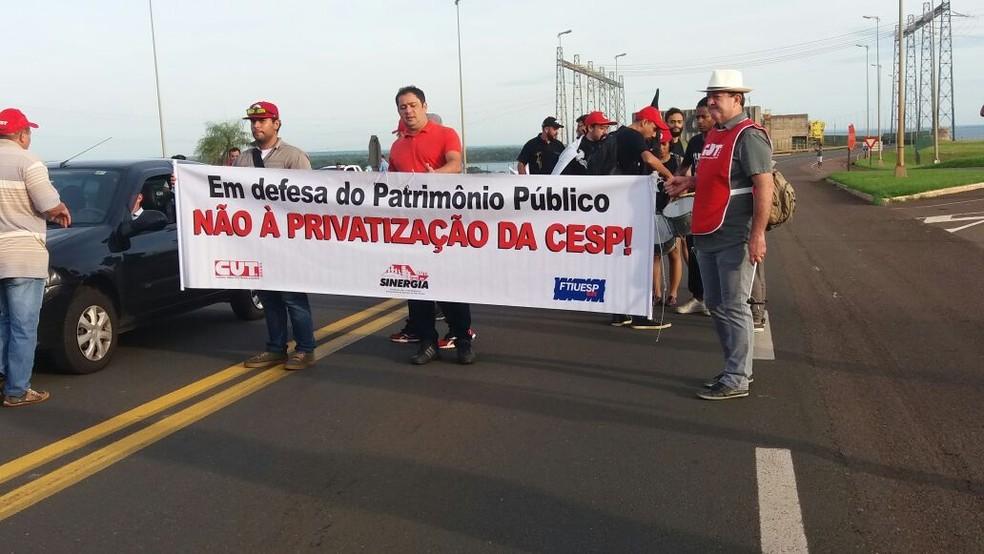 Ato contra a privatização da Cesp foi realizado em Rosana nesta sexta-feira (10) (Foto: CUT/Subsede de Presidente Prudente/Cedida)