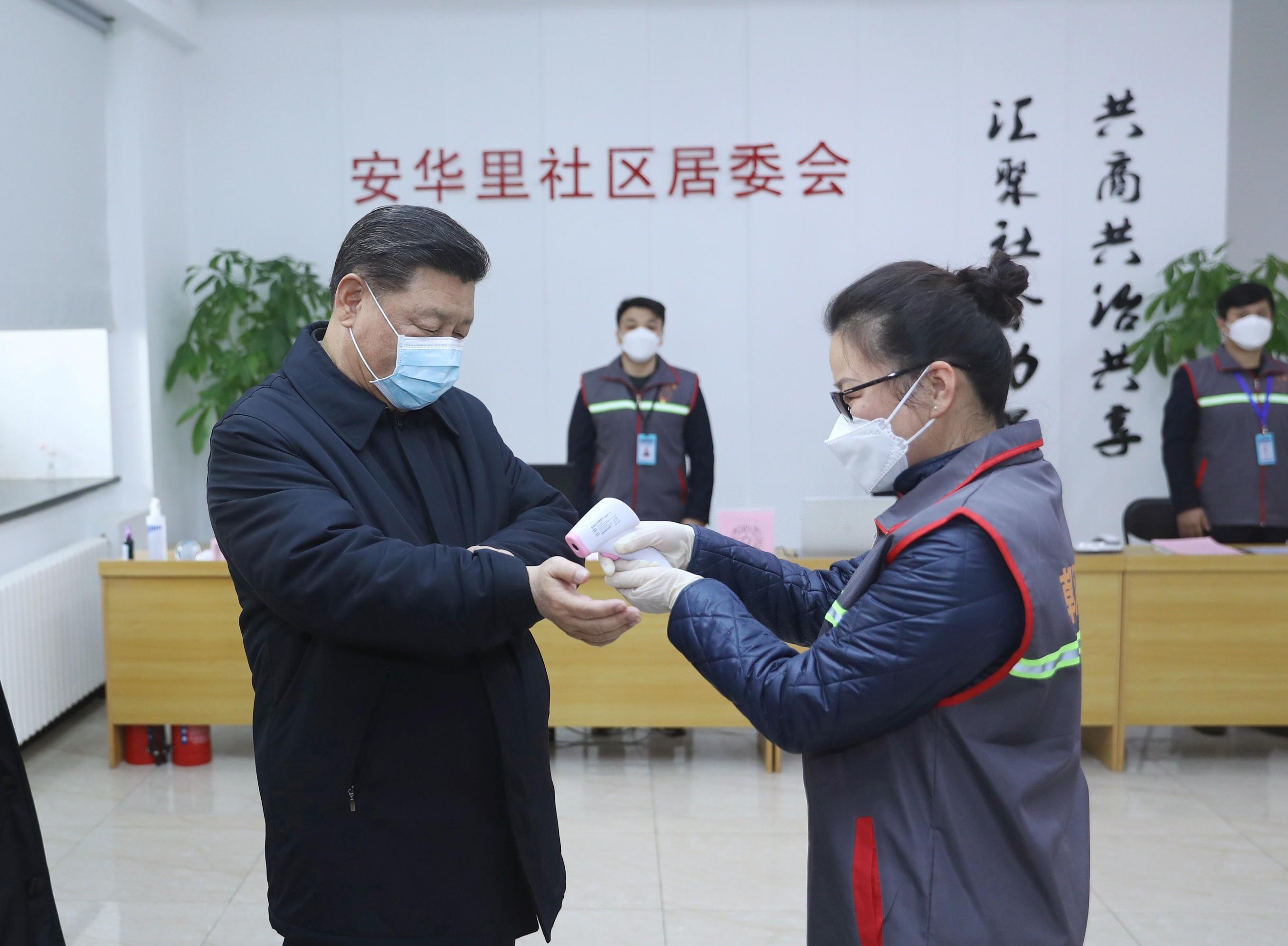 China prende dissidente que pediu renúncia de Xi Jinping por epidemia de coronavírus