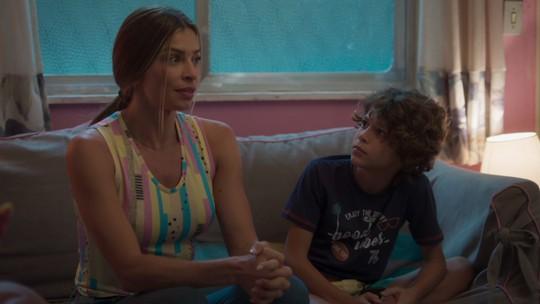Paloma revela aos filhos: 'Estou namorando com o Marcos'