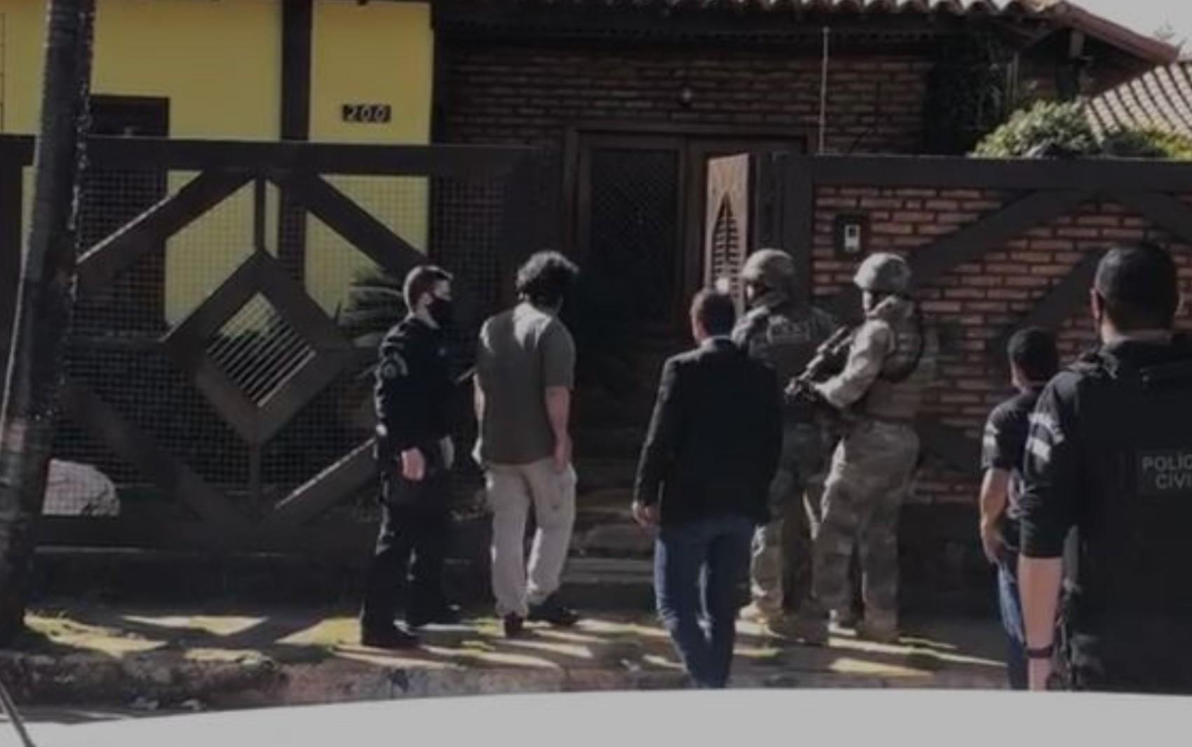 MP investiga coronel da PM suspeito de usar policiais e carros da corporação para escoltar carga particular até sua fazenda