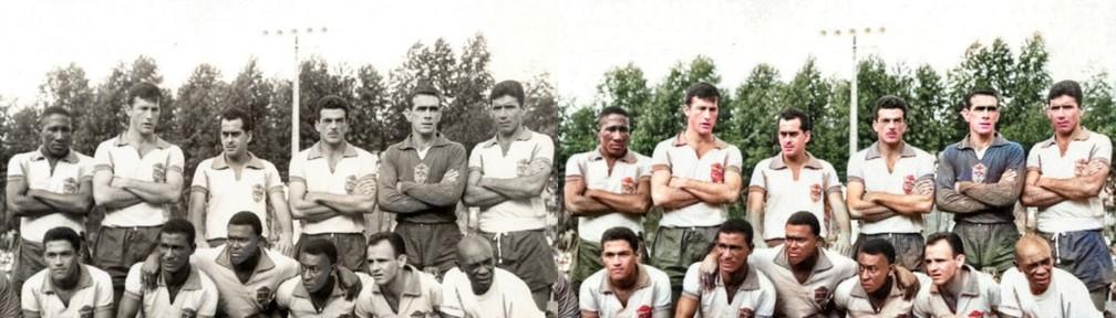Coutinho fez parte da seleção brasileira campeã mundial no Chile, em 1962, mas não chegou a jogar; nesta imagem, forma ataque com Garrincha, Didi, Pelé e Pepe. SÓ ISSO! — Foto: Reprodução