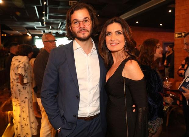 Fáima Bernardes sai com o deputado federal Túlio Gadêlha (Foto: Globo / João Cotta)