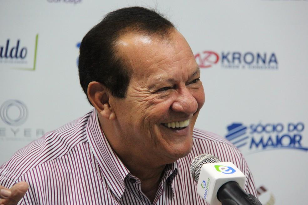 Rafael Tenório promete também dois reforços à torcida — Foto: Denison Roma/GloboEsporte.com