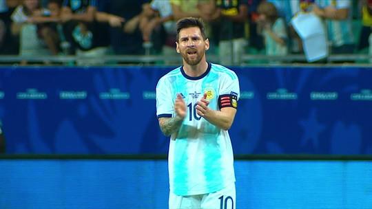 Reações aos gols colombianos mostram mudança de ânimo de Messi na estreia da Argentina
