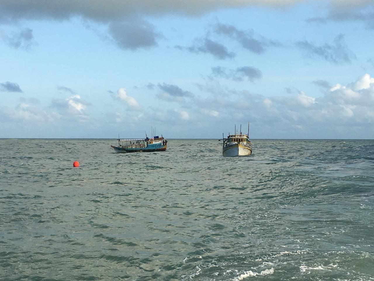 Embarcações apreendidas no Maranhão com 4 toneladas de pesca ilegal são transportadas para Belém - Radio Evangelho Gospel