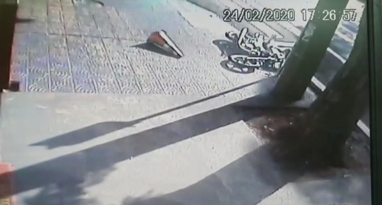 Cinco pessoas ficam feridas em três acidentes envolvendo motocicletas, em Maringá