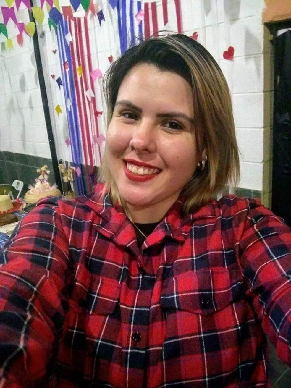 Mulher é morta a tiros no bairro Santa Cruz, em Volta Redonda — Foto: Divulgação