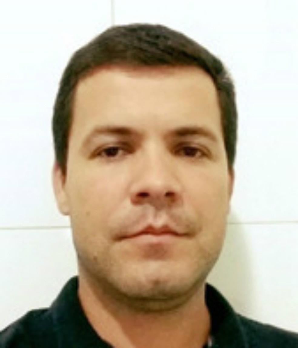 Engenheiro agrônomo Douglas Pantaleão morreu na tarde desta terça-feira na colisão de sua caminhonete com um trem — Foto: O Correio News