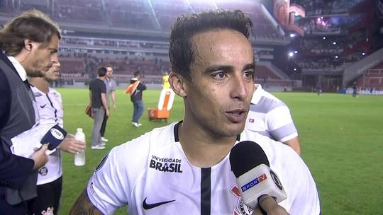 """Jadson celebra gol raro na carreira e defende título paulista do Corinthians: """"Ganhamos no campo"""""""